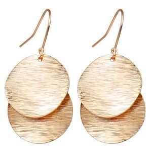 Jewelry - Gold dangling earrings